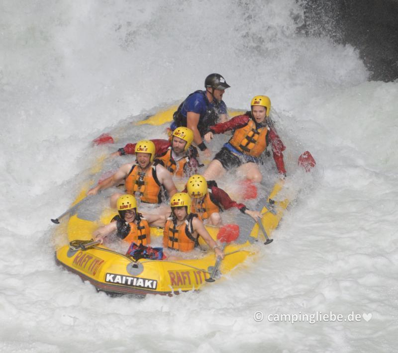 Rafting Neuseeland Wasserfall